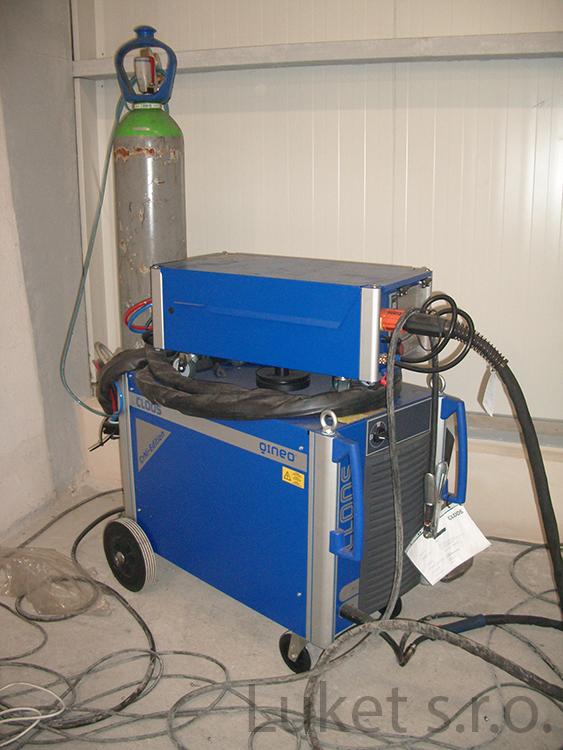Welding machine CLOOS QINEO Puls Master 450 A